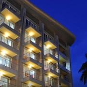 棕櫚素坤逸套房飯店