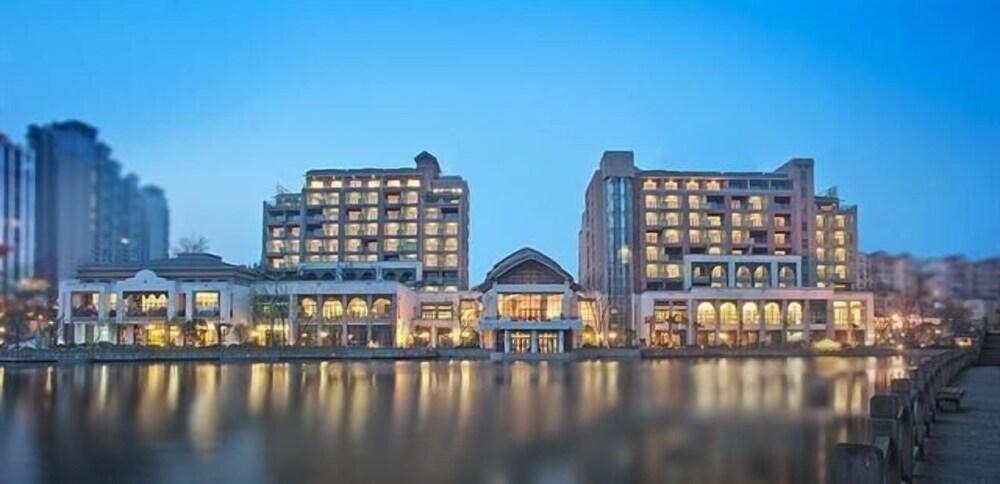 Baoli Ruiting Spring Hotel - Guiyang