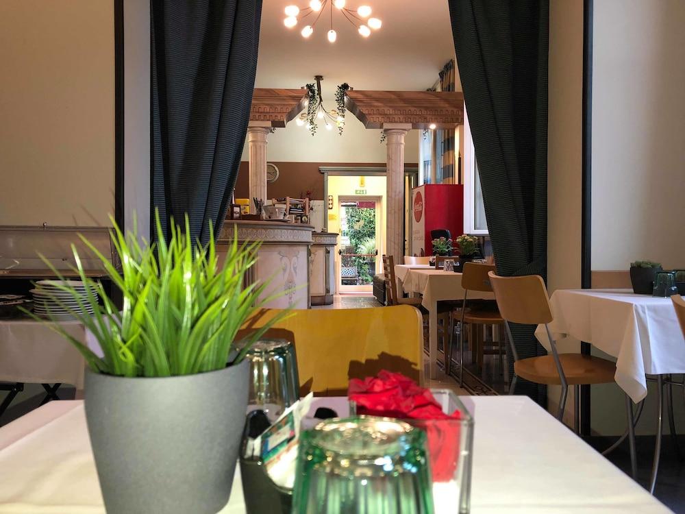 Hotel Soggiorno Athena, Pisa ( ̶1̶6̶3̶ ) Price, Address ...