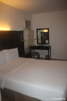 Pearl Lane Hotel Manila Guestroom