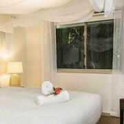 拜倫湖濱假日公寓飯店