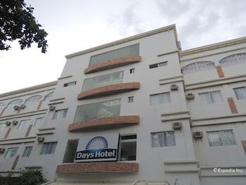 Days Hotel Cebu - Toledo Hotel Front