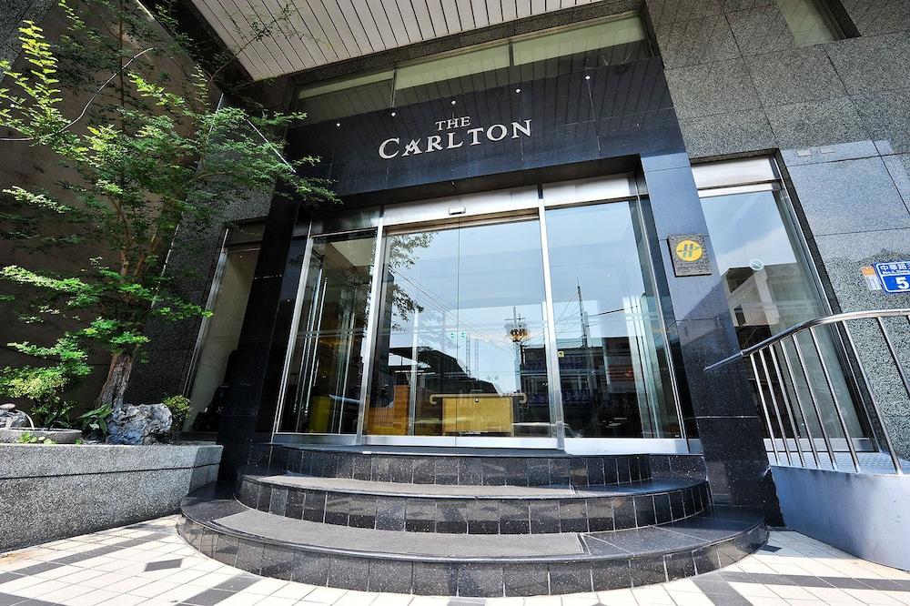 Carlton Hotel-Chung Hwa