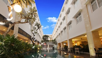 Crystal Kuta Hotel - Featured Image  - #0
