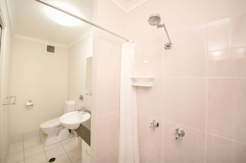 Citywalk Motor Inn - Bathroom  - #0