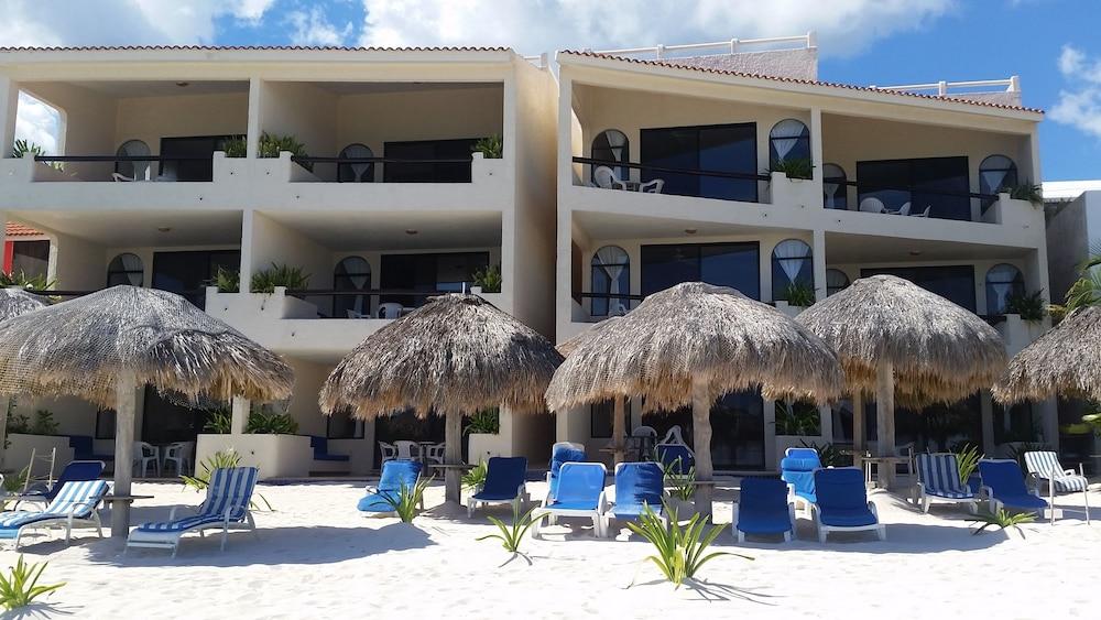 91 Villas De Rosa Beach Resort