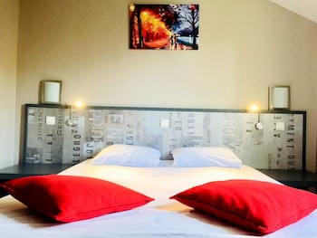 Photo for Logis Hotel de la Thalie in Chalon-sur-Saone