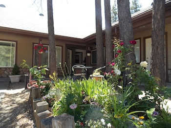 Photo for Vintage Lakeside Inn in Big Bear Lake, California