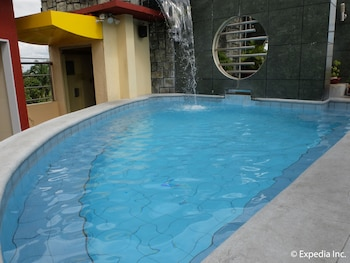 Fields Walking Street Hotel Pampanga Outdoor Pool