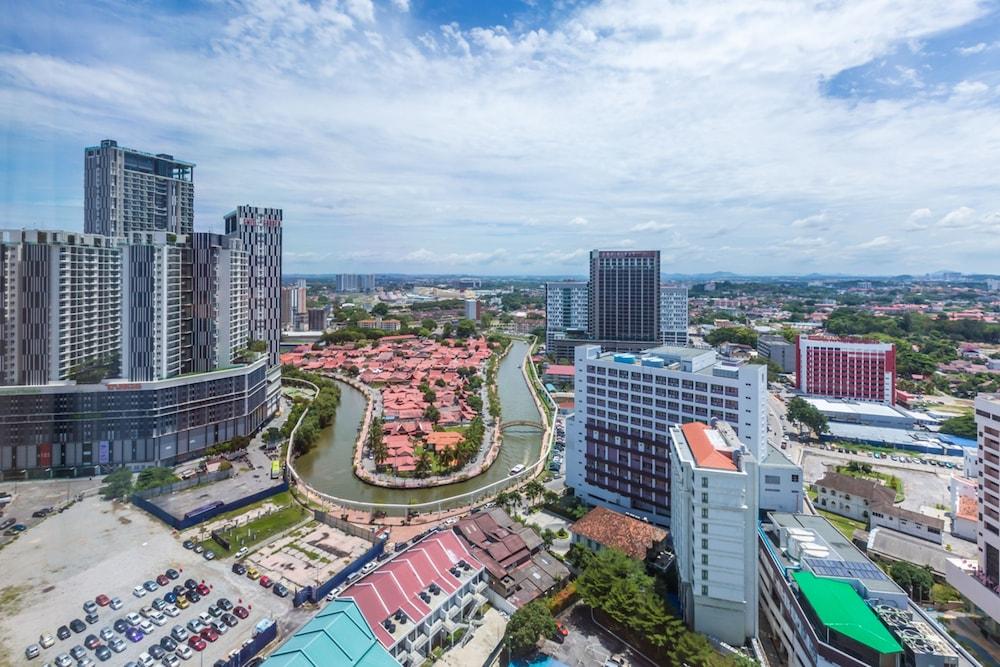 Hotels in Jalan Tun Sri Lanang, Melaka @ 25% OFF - 72 Hotels