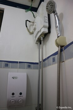 The Club Ten Beach Resort Boracay Bathroom Shower