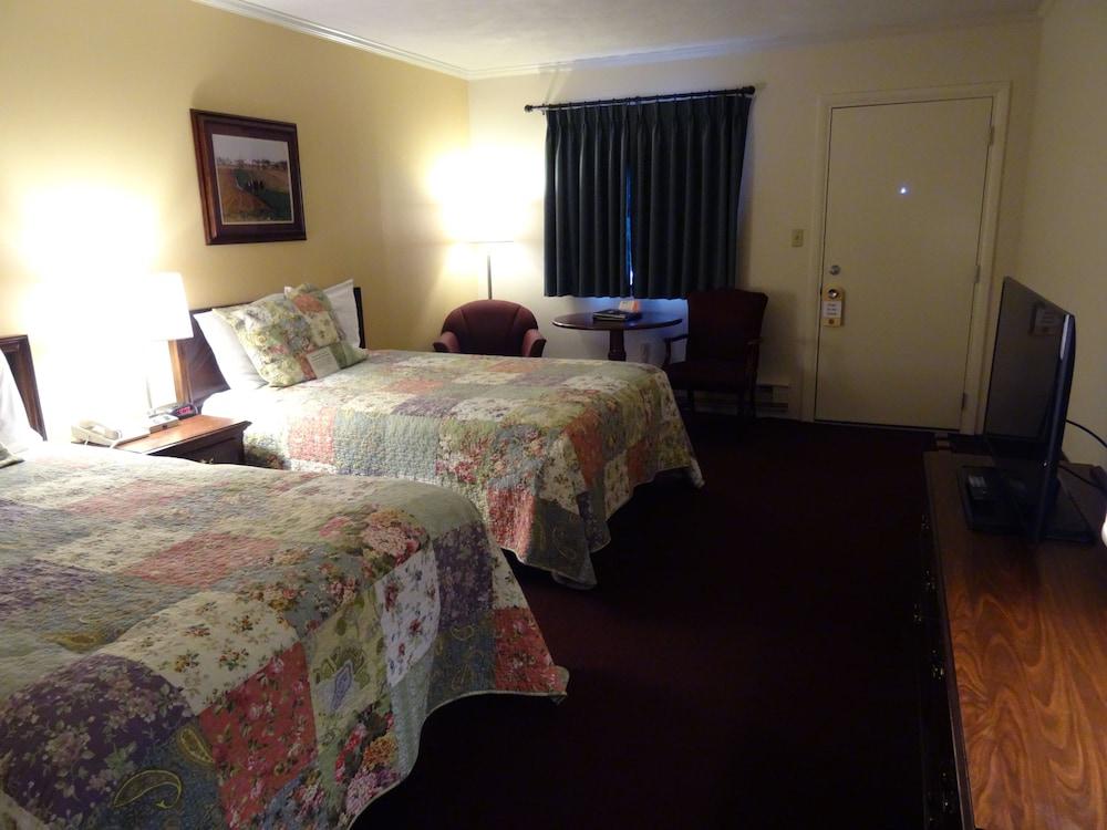 Bird-in-Hand Family Inn