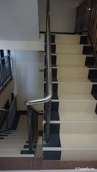 Devera Hotel Angeles Staircase