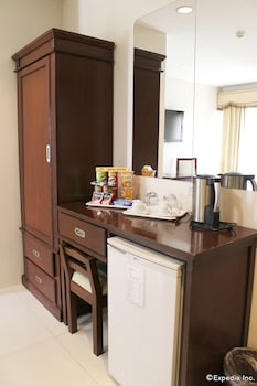 Devera Hotel Angeles Minibar