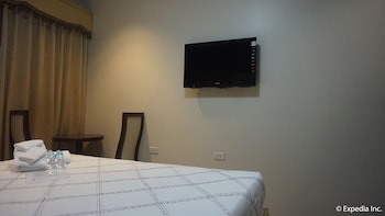 Devera Hotel Angeles Guestroom