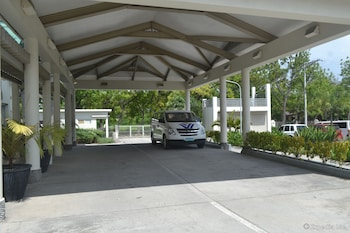 Microtel Gensan Hotel Entrance