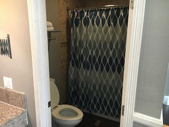 Hotel Salina Long Beach - Bathroom  - #0