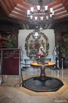 New Camelot Hotel Quezon City Interior Detail
