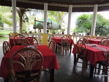 Moalboal Beach Resort Restaurant