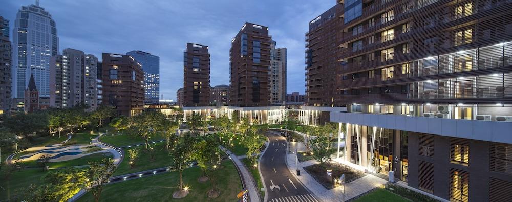 Green Court Serviced Apartment-Green City