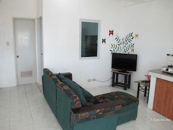 Dream Hill Condos Puerto Galera Living Area