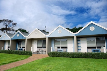 Photo for Sorrento Beach Motel in Sorrento, Victoria