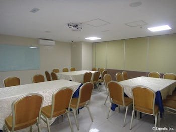 Golden Prince Hotel Cebu Meeting Facility