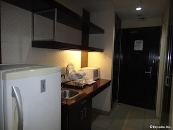 Golden Prince Hotel Cebu In-Room Kitchenette