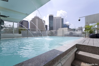 Wellcome Hotel Cebu Outdoor Pool
