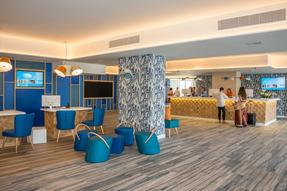 Hovima La Pinta Beachfront Family Hotel Tenerife Price Address Reviews