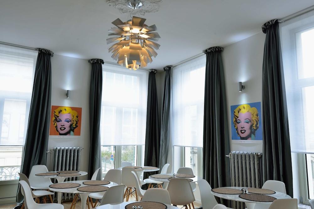 Hotel Retro