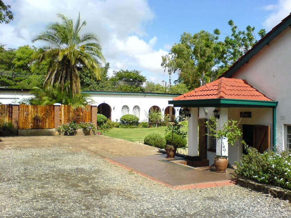 Annie's Lodge Lilongwe Area 10