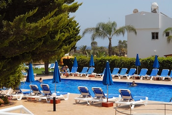 Photo for Maistros Hotel Apartments in Protaras