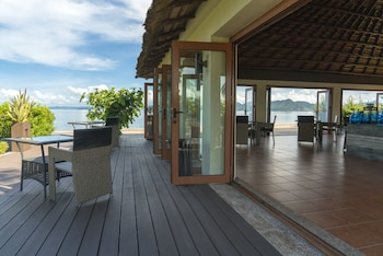 Huma Island Resort & Spa Coron Terrace/Patio