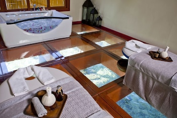 Huma Island Resort & Spa Coron Treatment Room