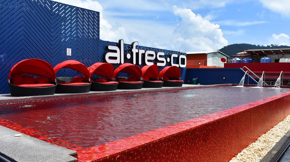 Alfresco Hotel Patong