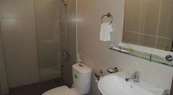 Khach San Blue Heaven - Bathroom  - #0