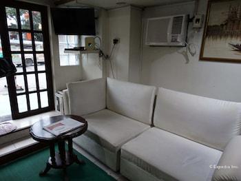 Gaius Pension Inn Manila Lobby Sitting Area