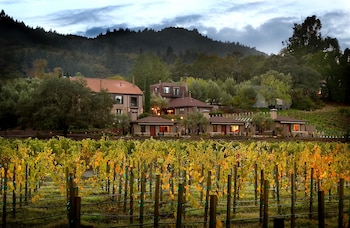 Wine Country Inn & Cottages in St. Helena, California