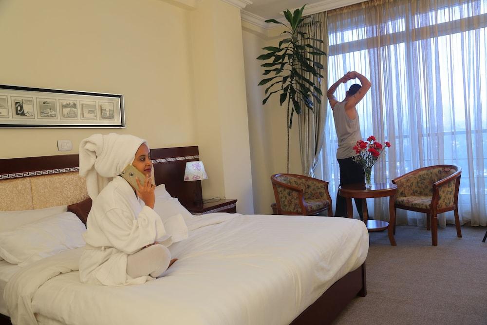 Sarem International Hotel