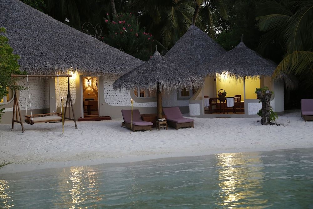 hermosa en color lista nueva Excelente calidad Nika Island Resort & Spa, Maldives Price, Address & Reviews
