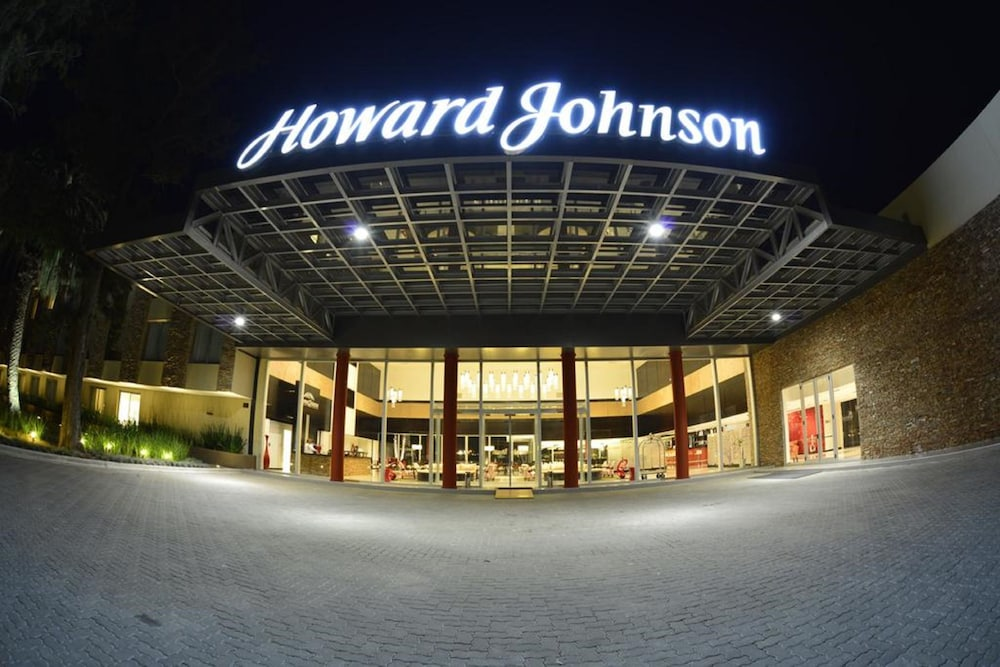 Howard Johnson by Wyndham Lujan Resort Spa & Conv. Center