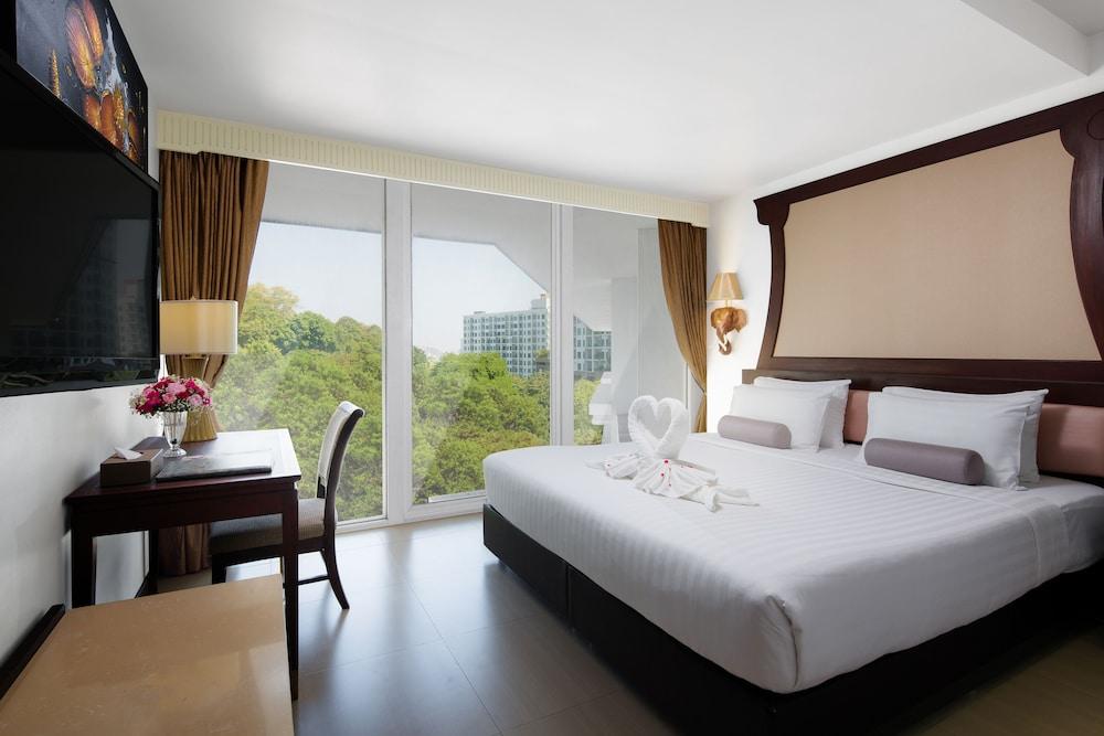 Aiyara Grand Hotel Pattaya Pattaya Hotel Price Address Reviews