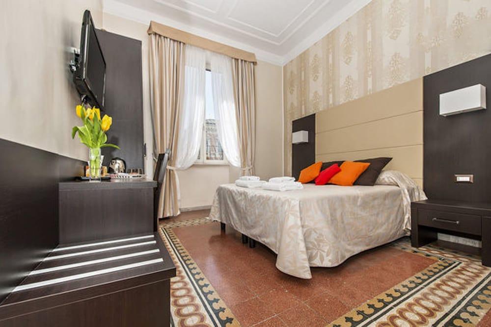 Laterani Suite
