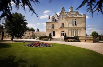 tarifs reservation hotels Château Pape Clément - Bernard Magrez Luxury Wine Experience