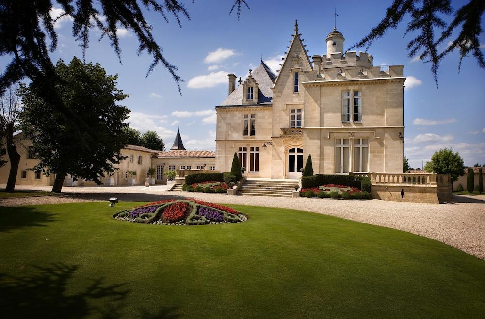 Château Pape Clément - Bernard Magrez Luxury Wine Experience
