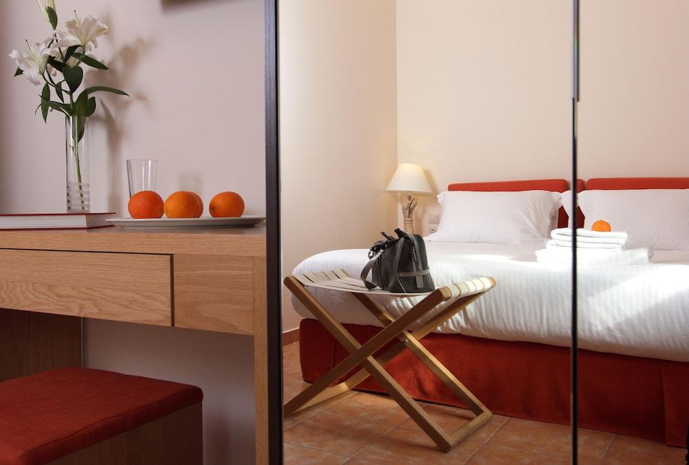 White Lotus Luxury Accommodation