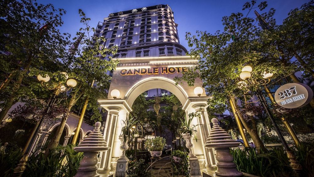 Super Hotel Candle