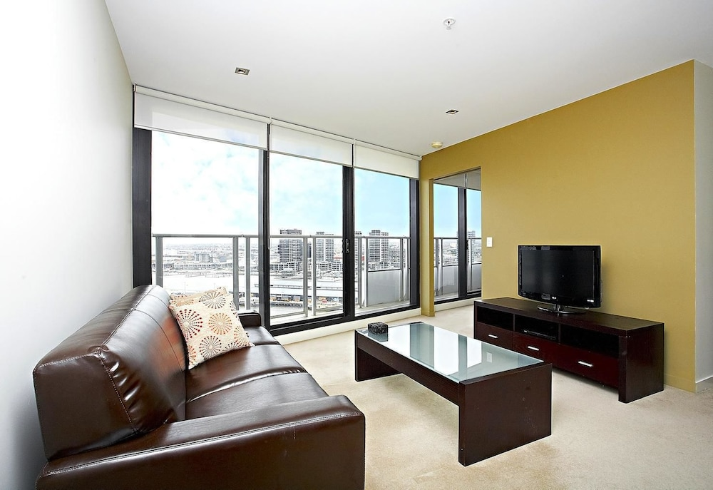 Astra Apartments - Docklands