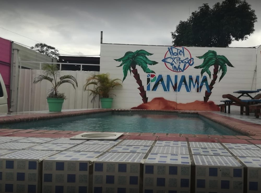Express Inn Panama International Airport Hostel
